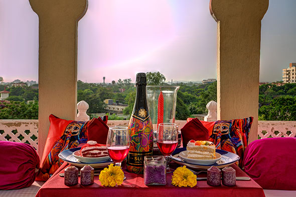 Hotels with Restaurant in Jaipur